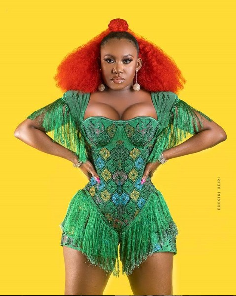 Singer Niniola Poses In Cleavage-Baring Outfit 4