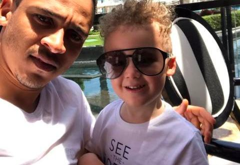 Footballer Osaze Odemwingie unleashes selfie with son