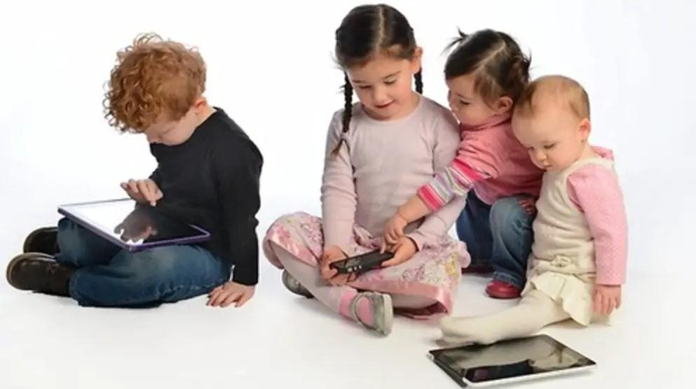الألعاب الإلكترونية تدفع أولادك للتفكير لكن هل تعلم أضرارها؟