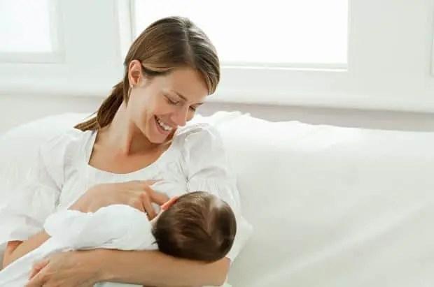 كيف يتم إنتاج الحليب من ثدي الأم - كيف تتم هذه العملية؟