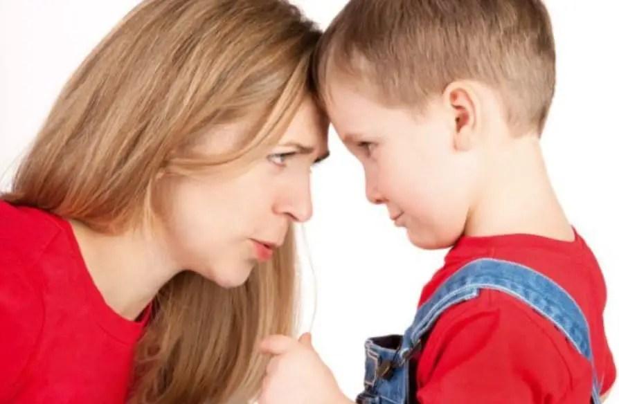 كيف أستطيع السيطرة على غضبي مع طفلي العنيد؟