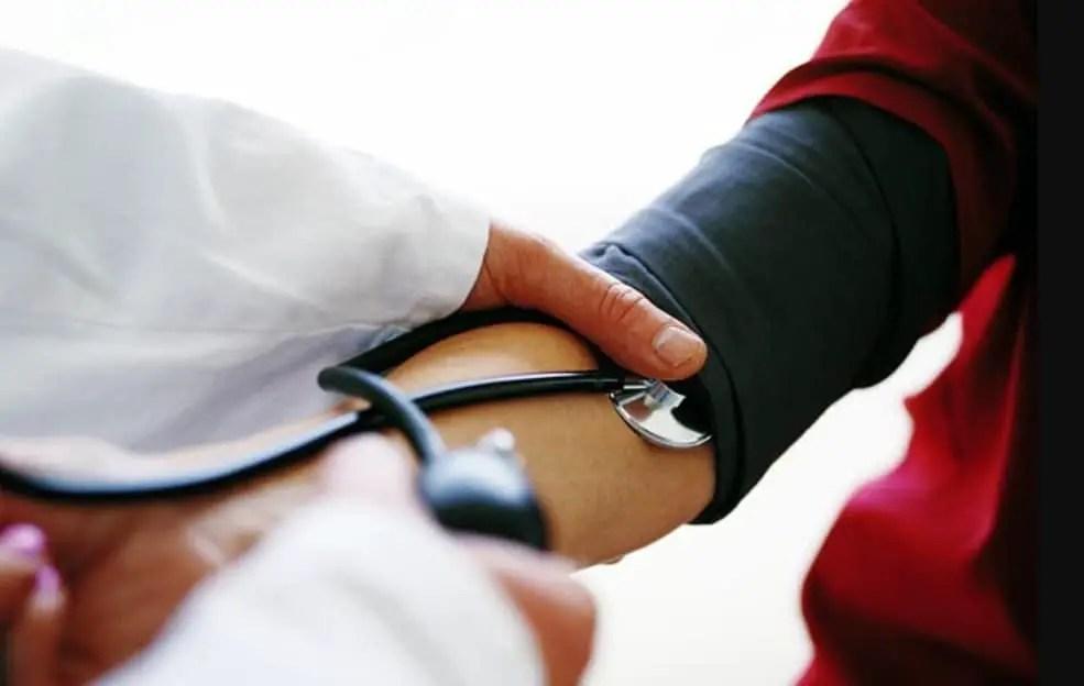 هبوط ضغط الدم خلال الحمل .. سببه وخطره على الحامل والجنين؟