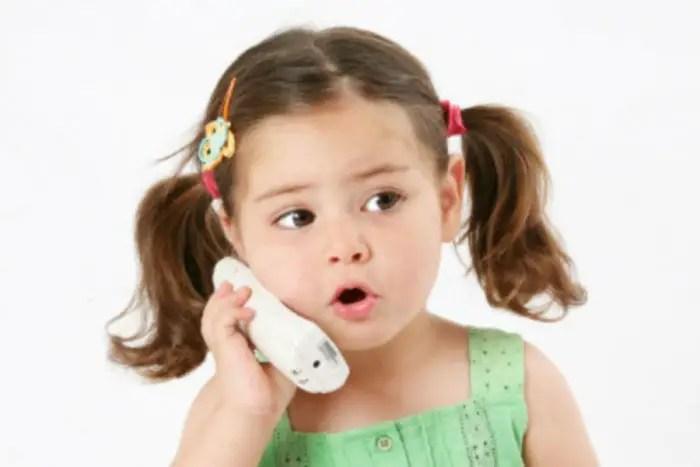 مراحل تطور الكلام عند الأطفال