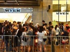 Australian Boxing Day Shoppers