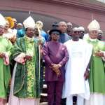 Governor-of-Anambra-state-with-clergymen-in-government-house-Awka