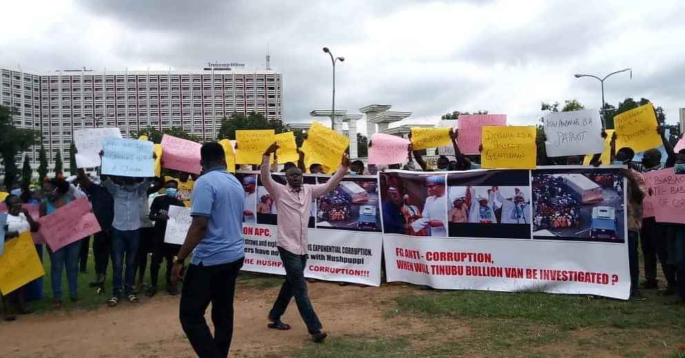 Breaking: Protesters Storm Abuja, Demand Immediate Arrest Of Tinubu Over Bullion Van Saga (Photo)