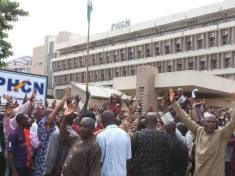 EX-PHCN STAFFS IN PROTEST