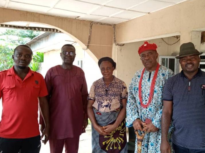 Condolences- HRH Eze Morrison Ekeh Ph.D pays condolence visit to Late Sir, (Cabinet) Emmanuel Onyenwe's family at Nekede.