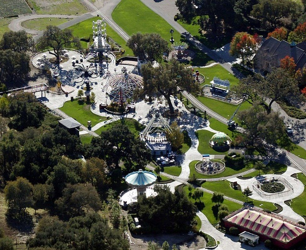 Neverland Ranch- The estate had a zoo and fairground on site