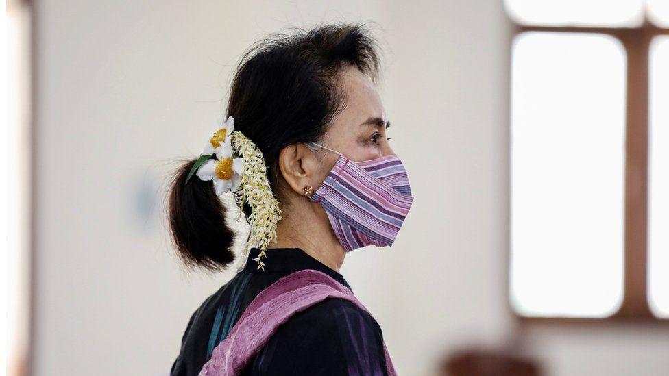 Aung San Suu Kyi detained