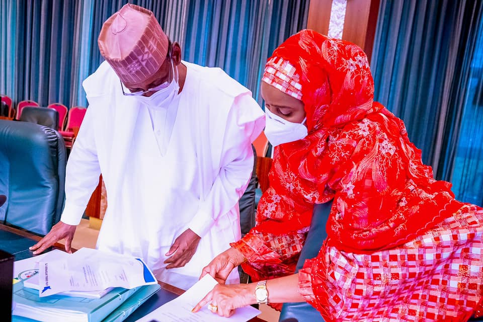 President Buhari presides over Federal Executive Council (FEC) Meeting - Images 7 - 9News Nigeria