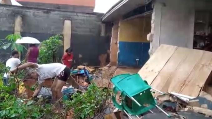 FEAR GRIPS OCCUPANTS AS HEAVY FLOODS RAISE DOWN BUILDINGS IN NEKEDE OWERRI