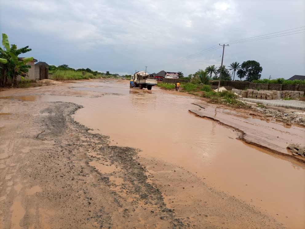 IMOLITES DECRY TERRIBLE CONDITION OF AVU:OBOSIMA:OBOGWE:OHAJI EGBEMA ROAD - Photo taken by 9News Nigeria Correspondent, Owerri