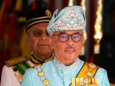 Malaysia Crowns Pahang Ruler as NewKingin Traditional Ceremony