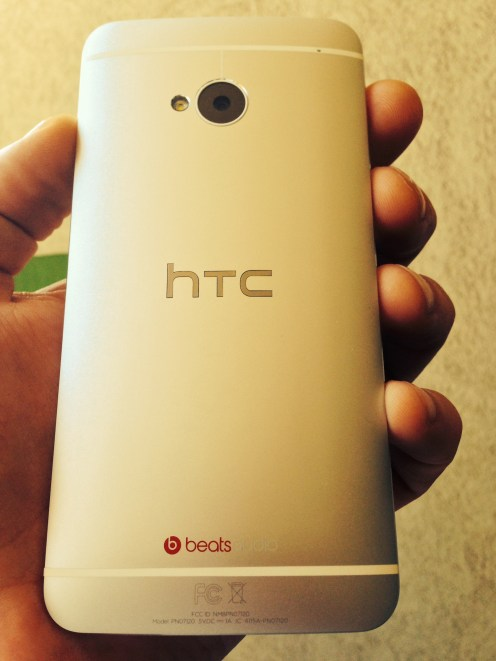 HTC-One-GPE-Hero-03