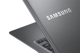 Chromebook2-13_014_Detail_Titanium Gray