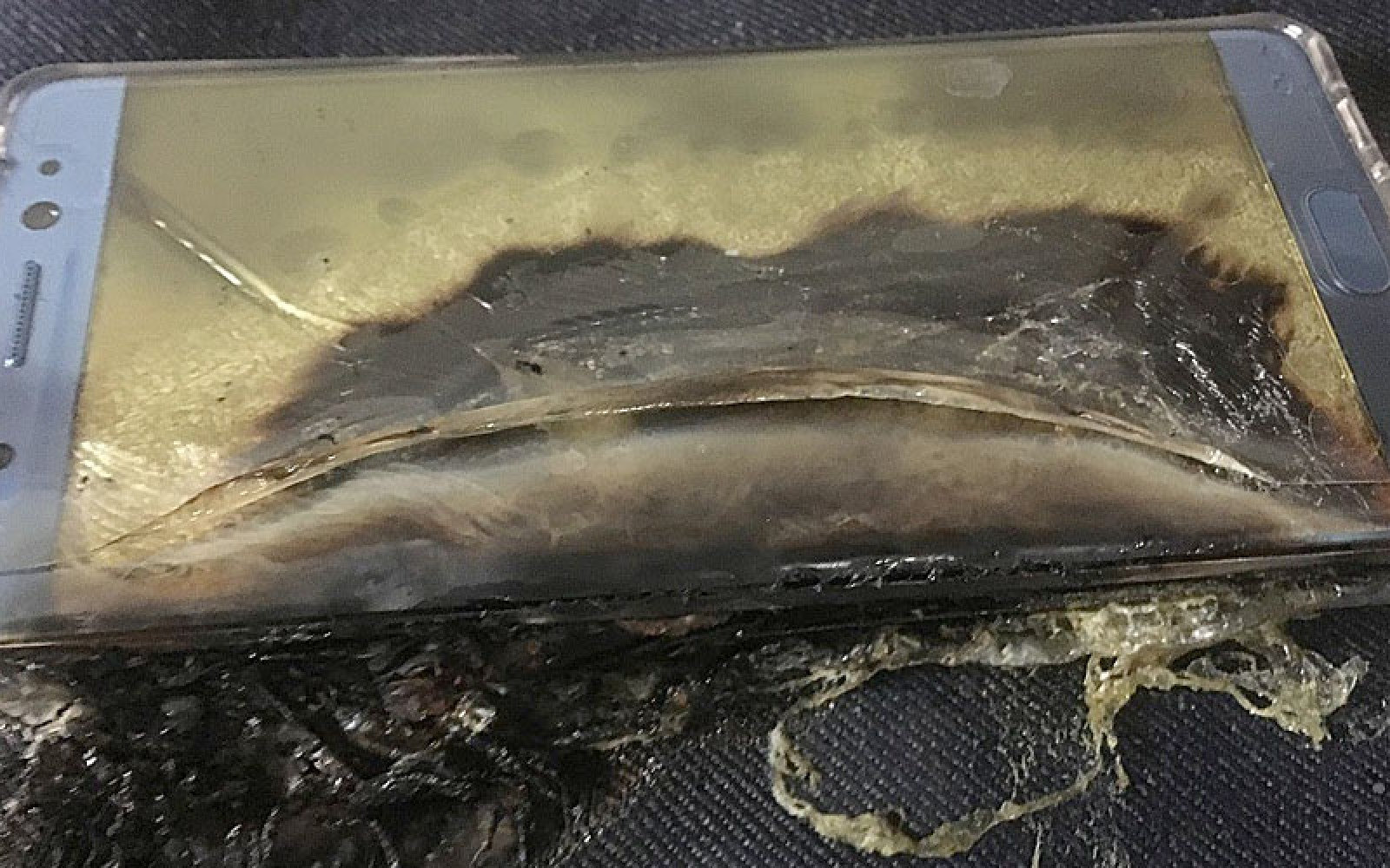 Samsung issues video apology over Note 7 fires as U.S. regulator attacks handling of recall