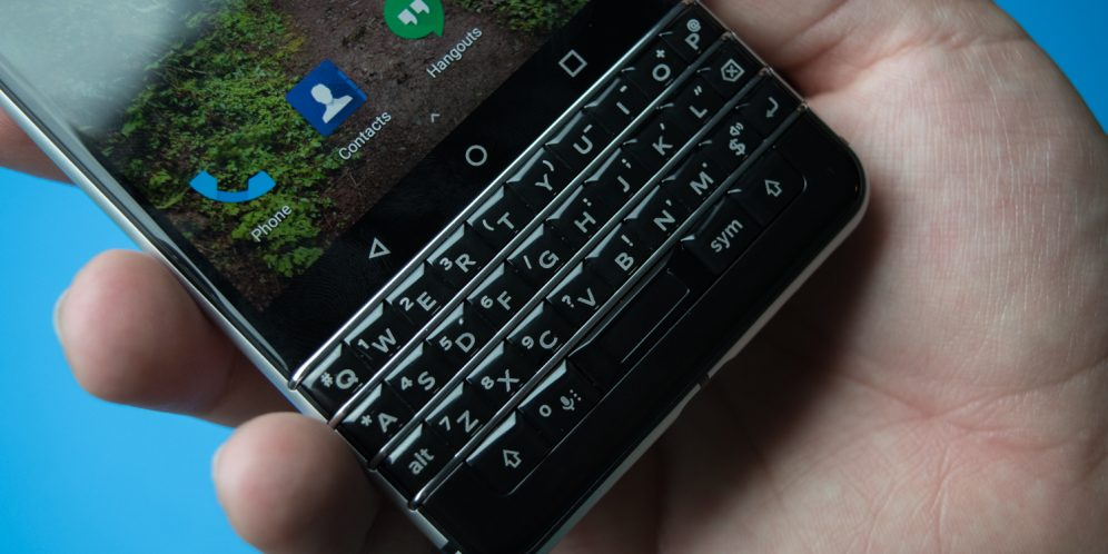 blackberry-keyone-unboxing-14