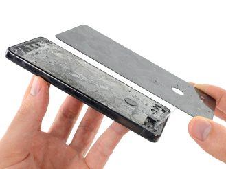 ifixit-essential-phone-3