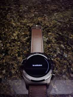 android-wear-2-8-black-theme-4
