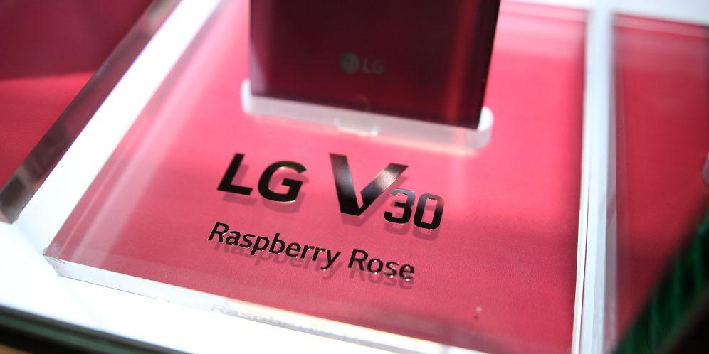 lg_v30_raspberry_rose_7
