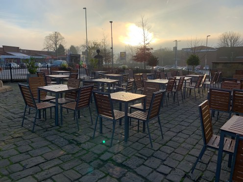 iPhone XR - Outdoor seating area