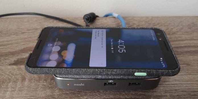 Moshi Symbus Q wireless charging