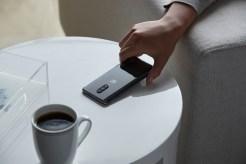 OnePlus 7 Pro-MG-PickingUp