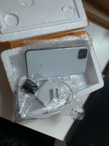 Pixel 4 demo unit packaging