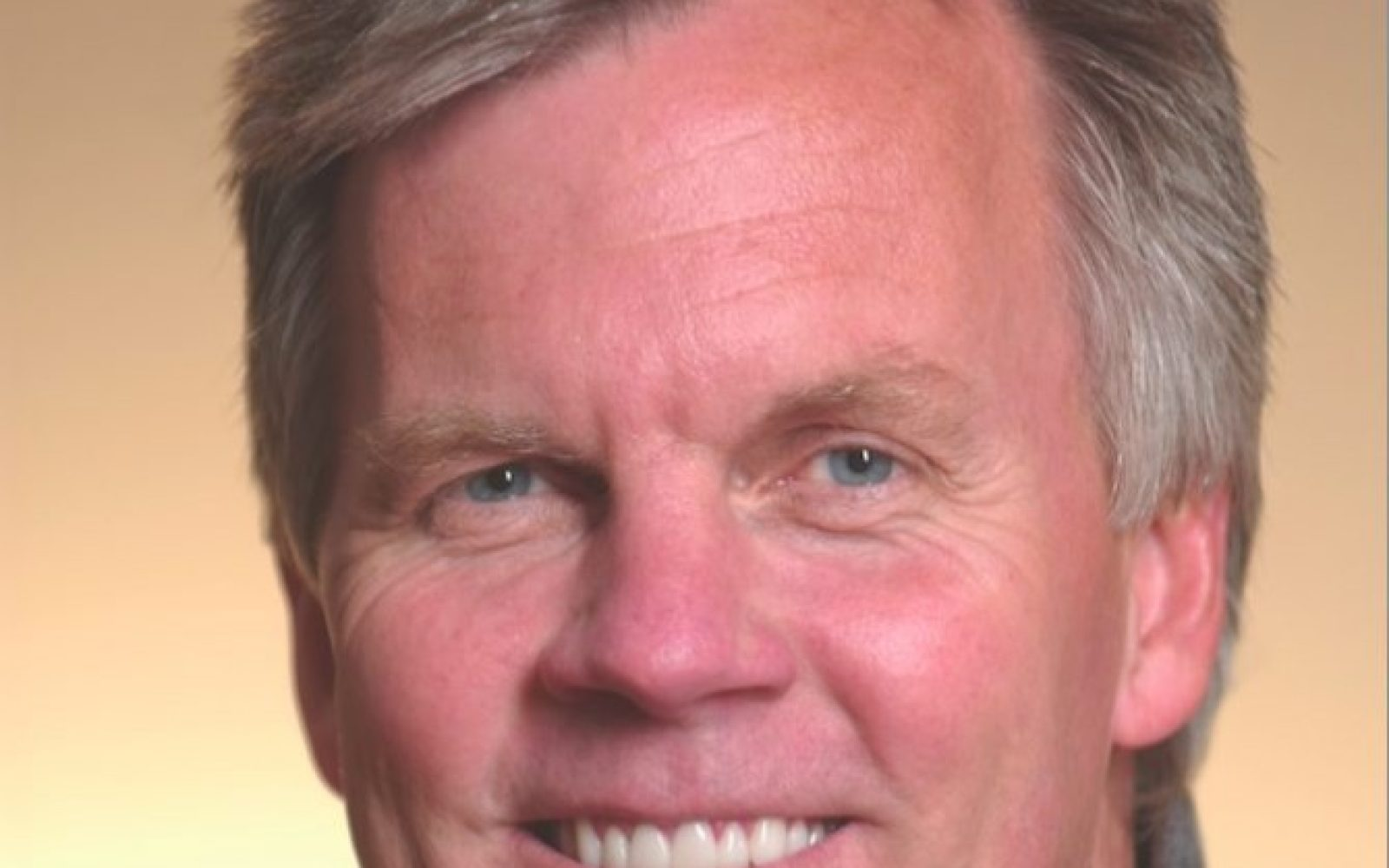 917f4e4d3671f Apple Retail chief Ron Johnson is out
