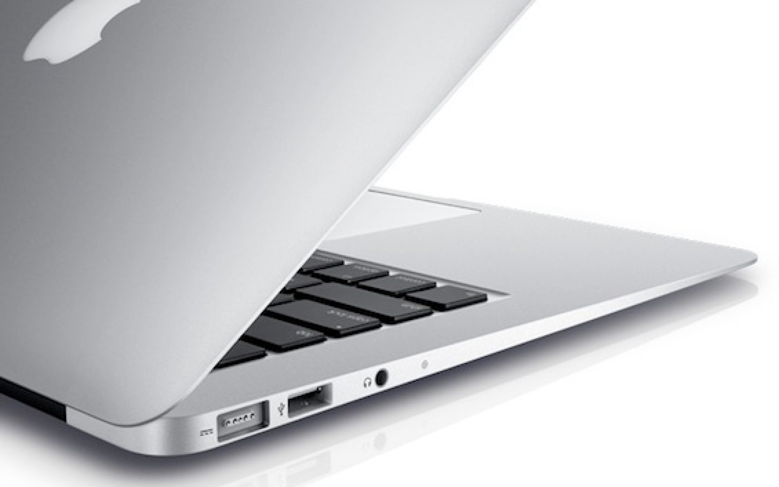 The new Air has scaled-down Thunderbolt chip: Two 10Gbps channels
