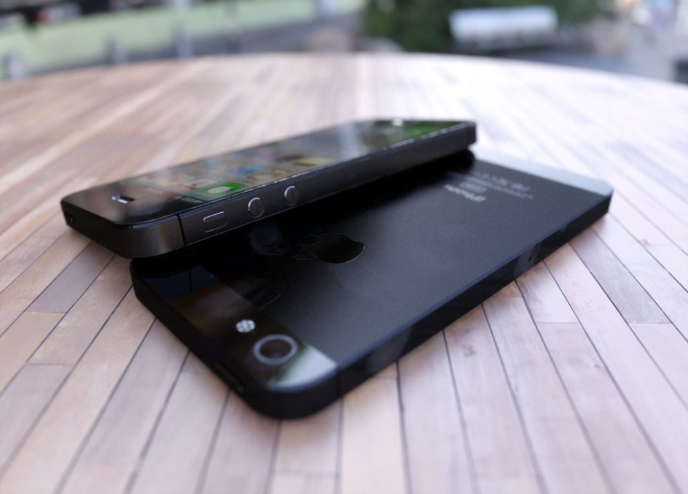 3D render iPhone 5-1