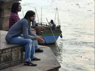 07_kutcher_india-4_3_rx512_c680x510