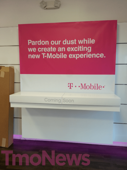 T-Mobile-retail-store-iPhone-5-03