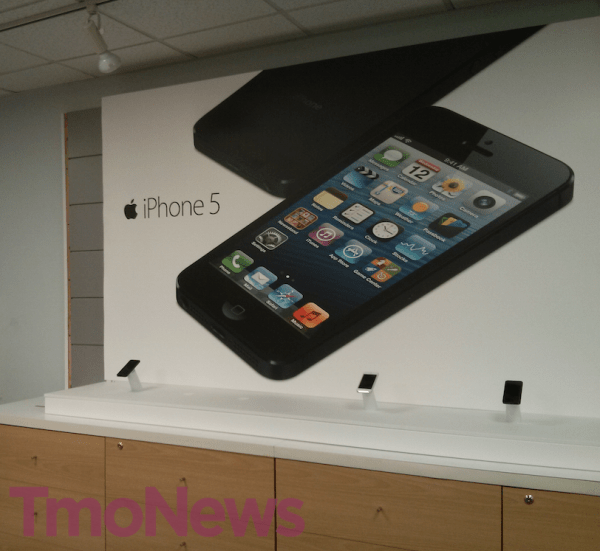 T-Mobile-retail-store-iPhone-5-6