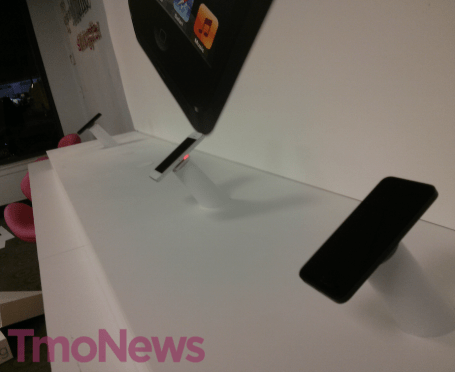 T-Mobile-retail-store-iPhone-5