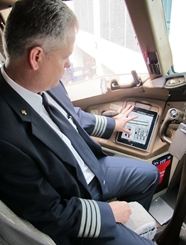 American Airlines completes roll out of iPad flight bags to all cockpits