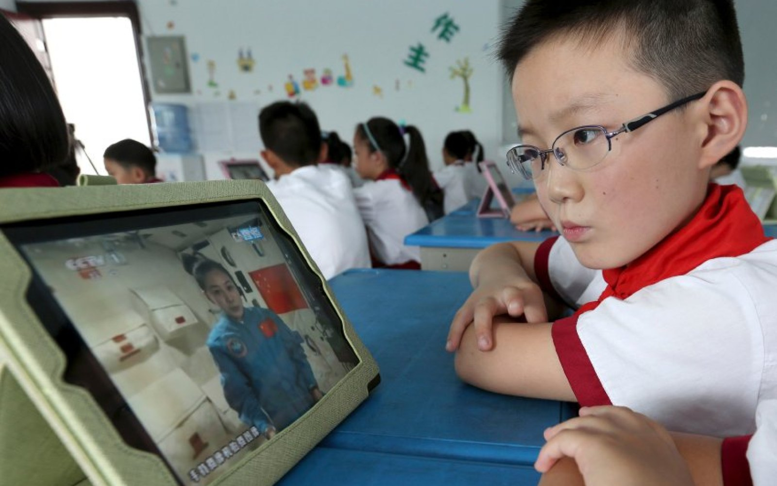 Apple planning iPad in education improvements, removing Apple ID requirement for apps & books