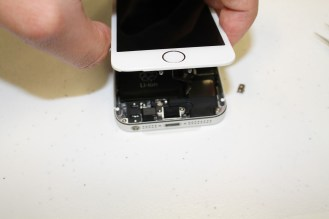 iPhone5s-5c-teardown-03