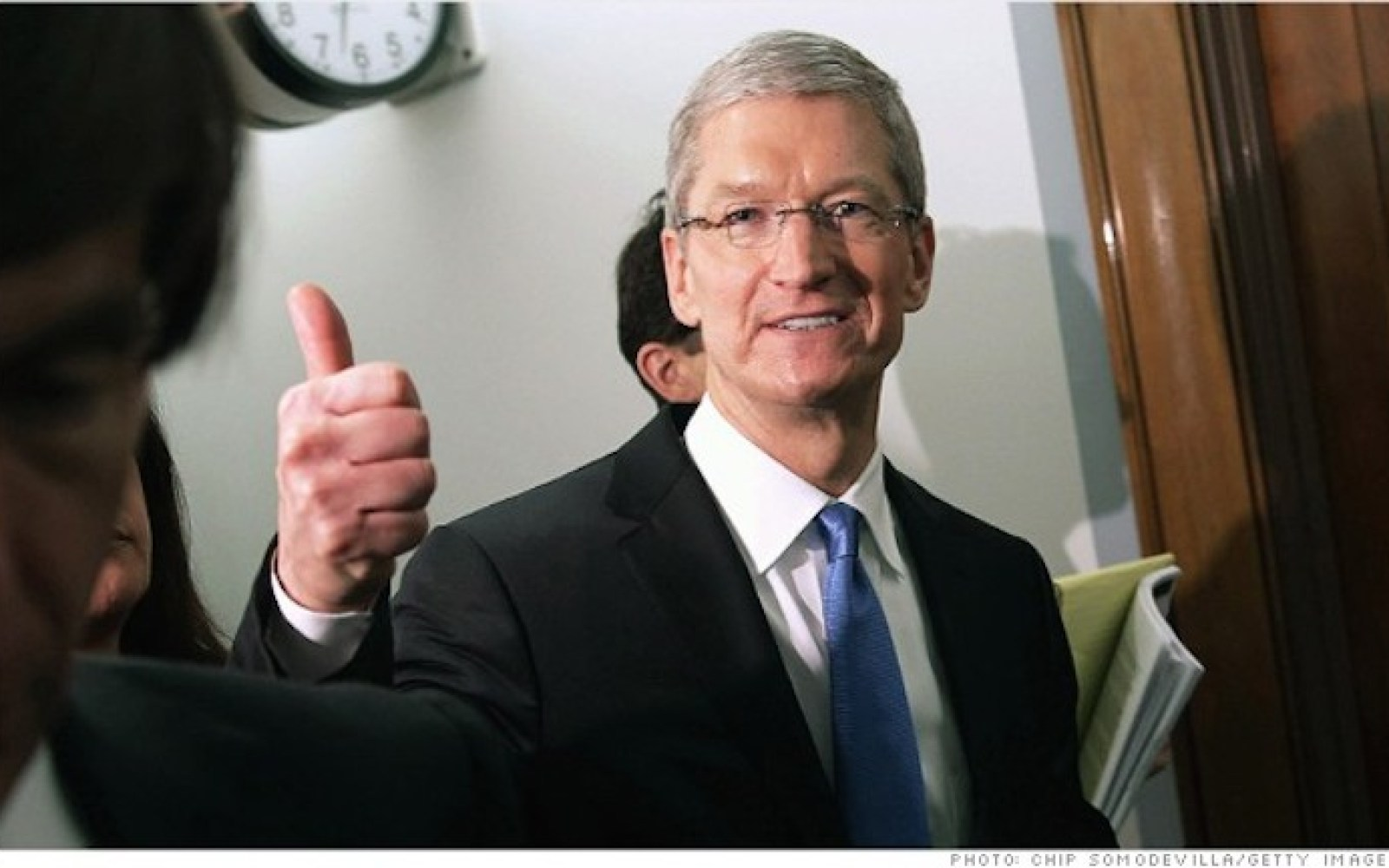 Apple donates $500,000 to local anti-poverty charity SF Gives