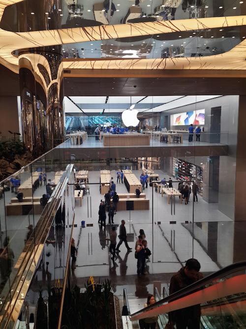 apple-store-istanbul-zorlu-center-scroll-81