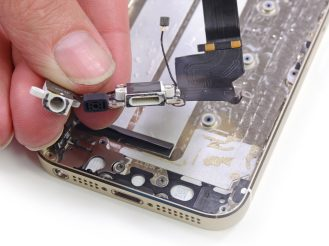 iPhone 5s Lightning and audio ports (via iFixit)