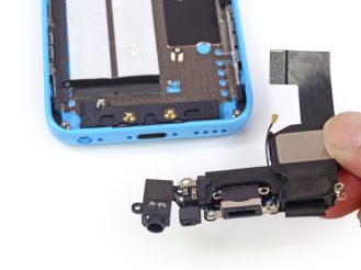 iPhone 5c Lightning and audio ports (via iFixit)