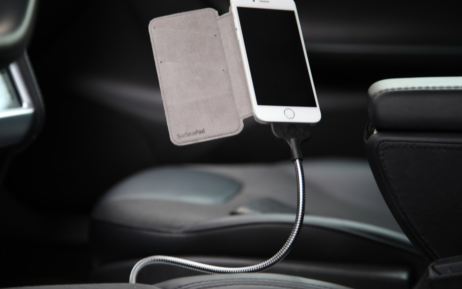 Two of the best iPhone car mounts we've tried: Fuse Chicken Une Bobine and MONTAR by WinnerGear