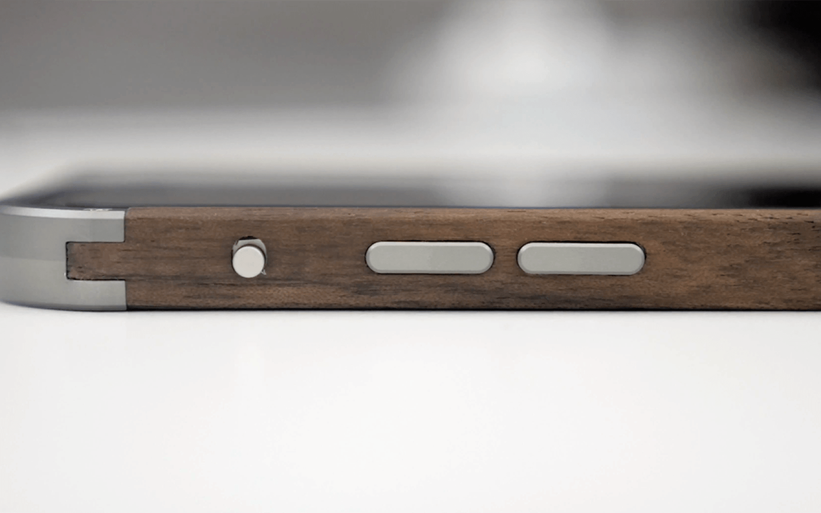Hands-on with Vesel's Wood Series bumper for iPhone 6 (Video)