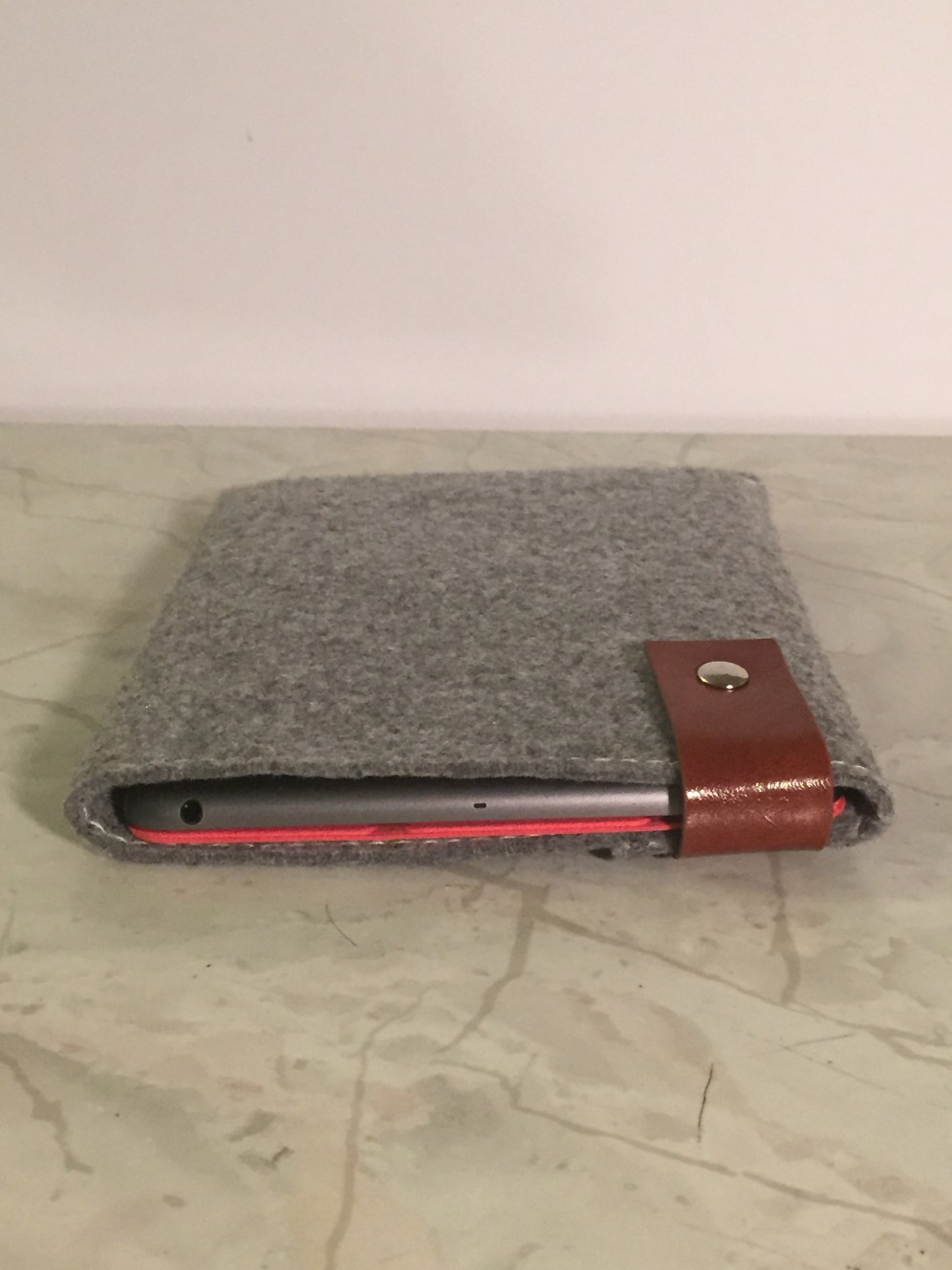 Inateck Sleeve with Smart Cover