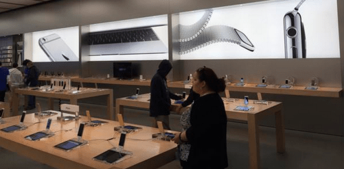 Apple-Watch-Apple-store-ads-01