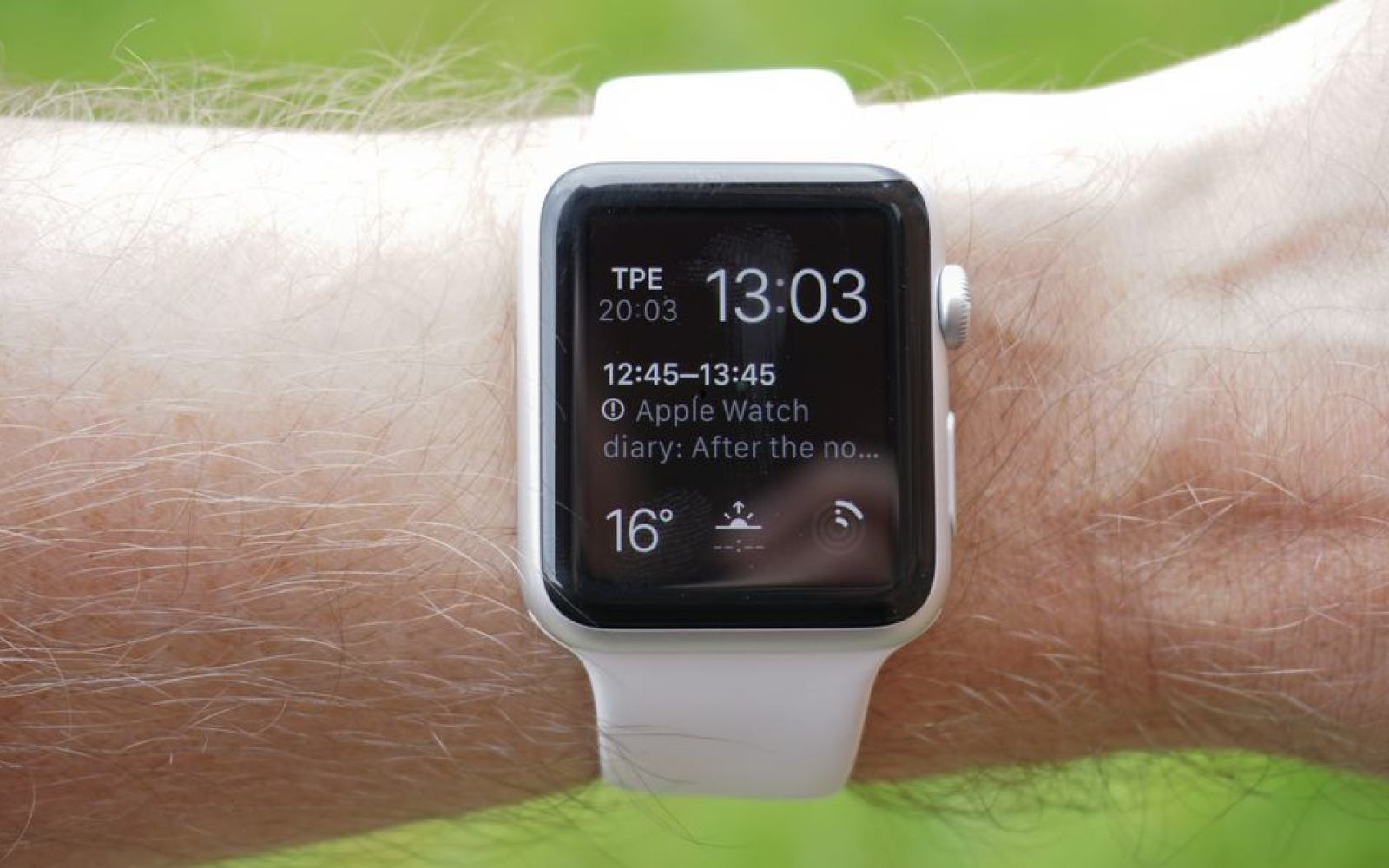 A skeptic's Apple Watch diary: One month in, after the novelty wore off