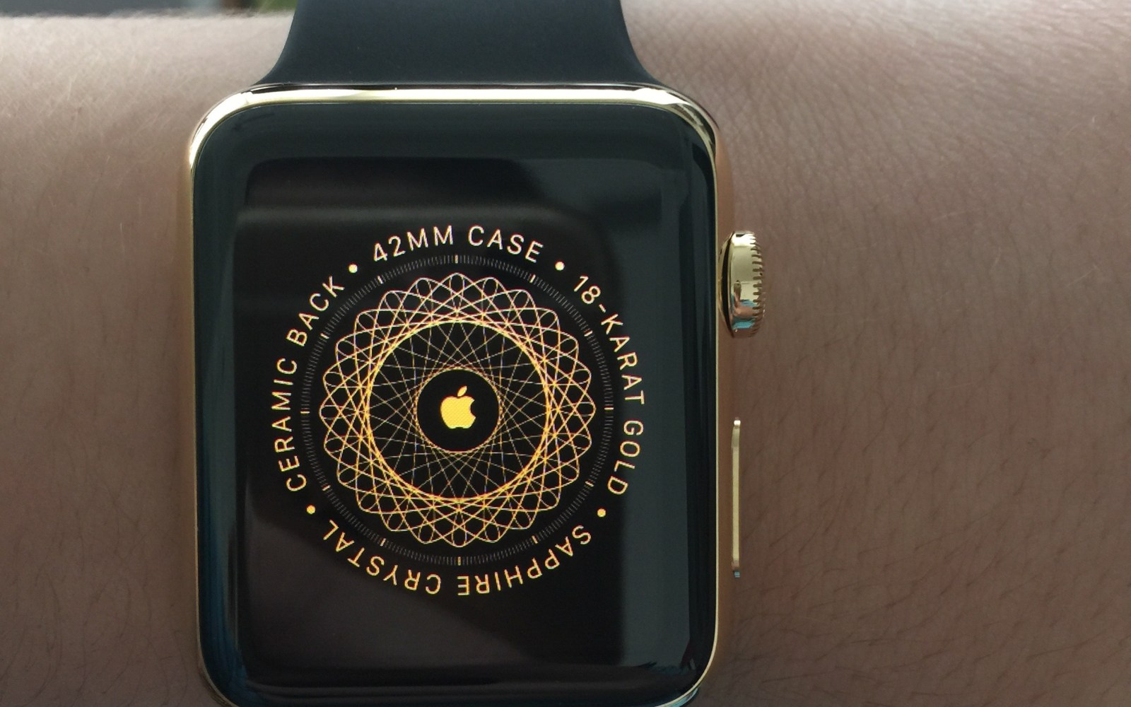 Gold Apple Watch Editions arrive for regular customers with new box, booklet, gold pairing screen [Gallery, Video]