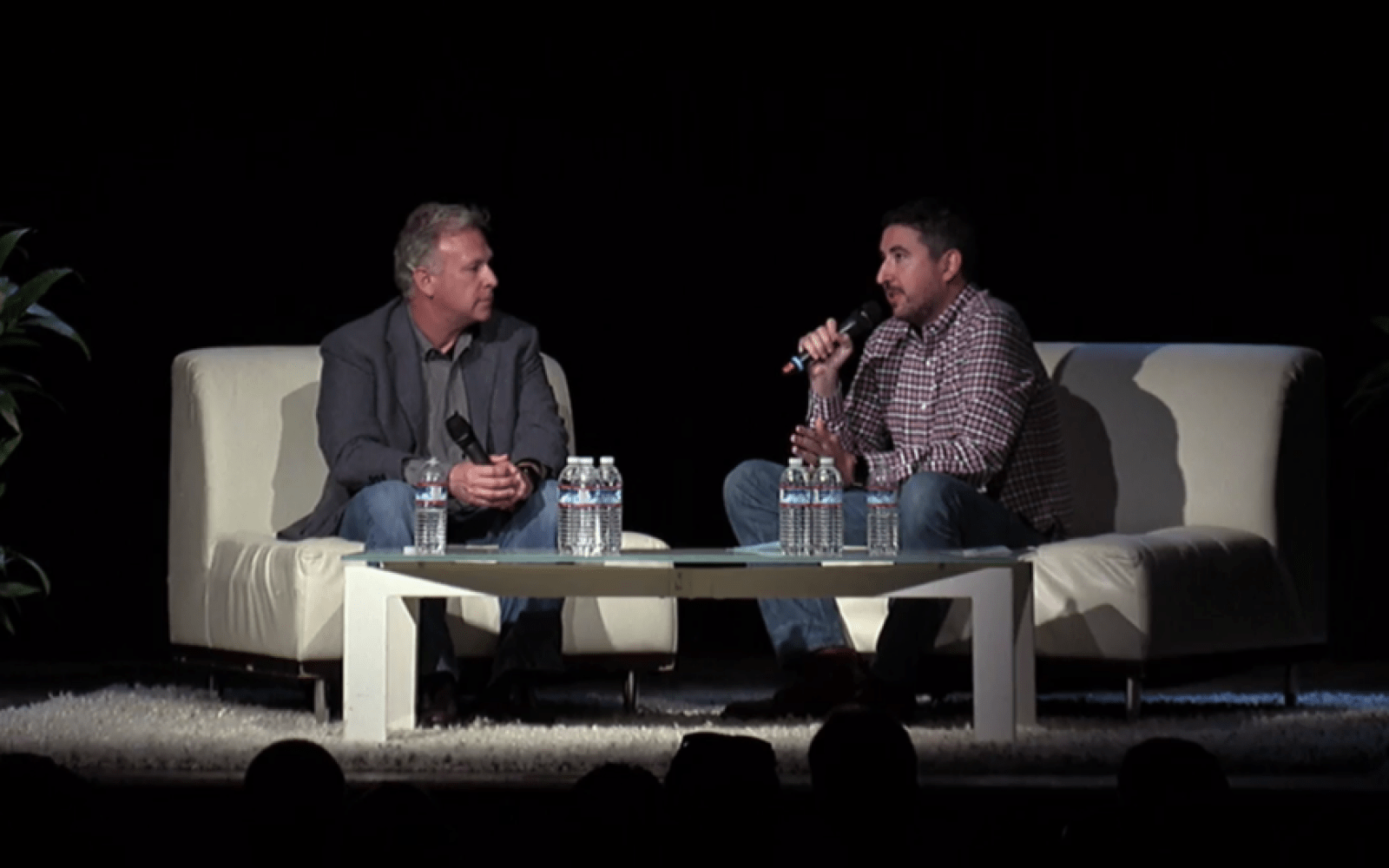 Phil Schiller talks 16GB devices, ultra-thin design, Apple Music, and more during interview